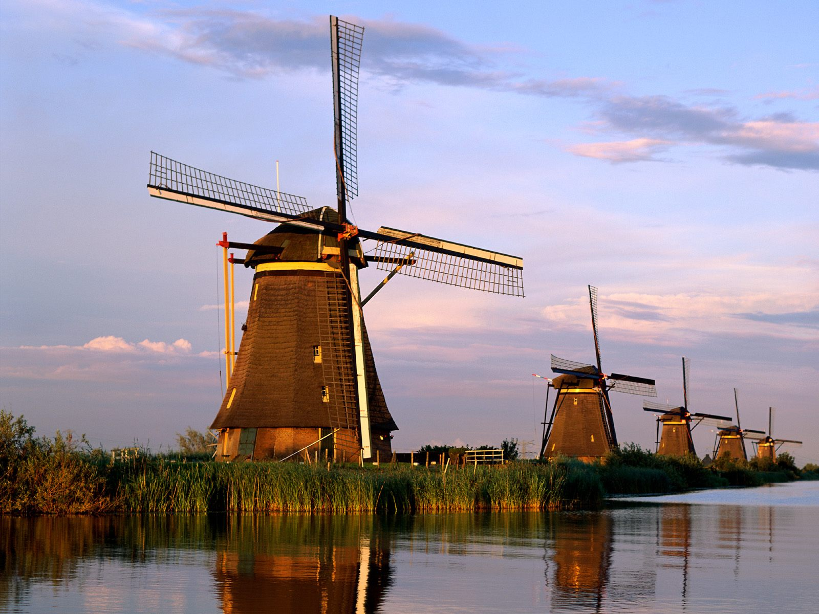 windmills-kinderdijk-netherlands