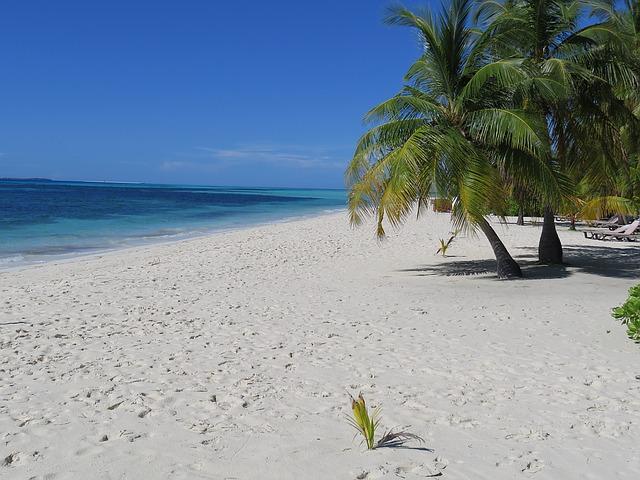 maldives-1095112_640