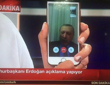 Periscope in FB live pomagala v  dokumentiranju poskusa vojaškega udara v Turčiji