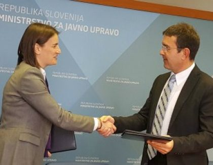 Slovenci pomažu uvođenju eUprave