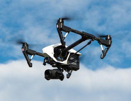 Više od 100 ljudi u Srbiji legalno upravlja dronovima!