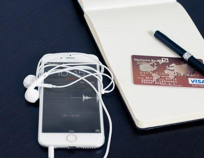 U Srbiji se plaća karticama manje od 20 puta godišnje!