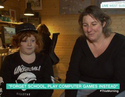 Ova deca nisu upisana u školu. Sve uče na kompjuteru uz igrice!