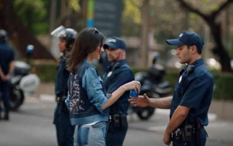 Nezadovoljstvo na mrežama zbog Pepsijeve reklame sa Kendal Džener!