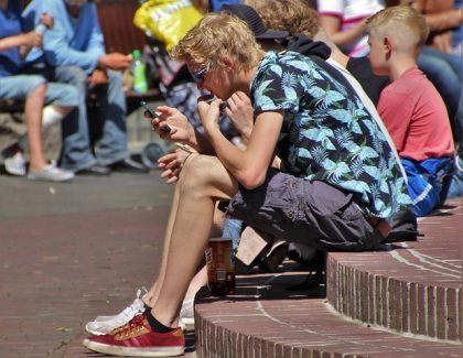 Besplatan internet na javnim mestima u celoj EU do 2020.