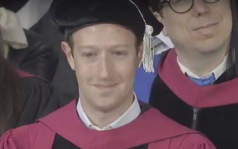 Zakerberg dobio doktorsku diplomu Harvarda, a nije uspeo da diplomira!