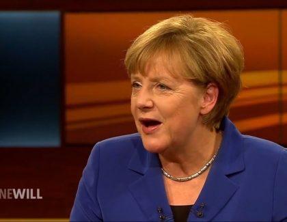 Merkelova razgovarala sa Jutjuberima i otkrila koji joj je omiljeni emotikon!