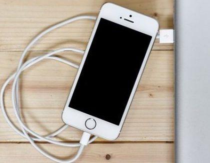 Konačno rešen najveći problem u vezi s baterijama telefona
